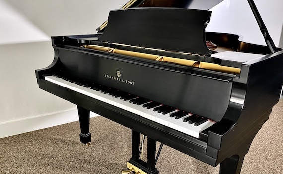 pre owned steinway pianos